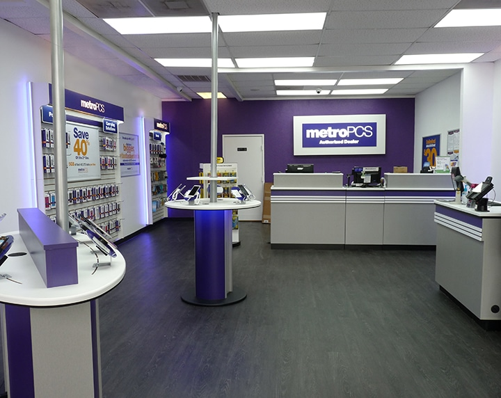MetroPCS worked with Milford to create a new retail design that delivered an open concept sales environment, consistent branding and merchandising, and upscale look to their 8000+ stores throughout the country. Milford provided a turn-key solution from design to production to installation